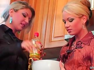 lesbian oil