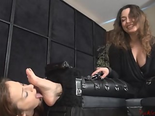 Lesbian Feet Ticklers And Lickers