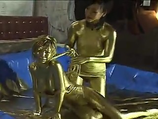 gold paint wrestling