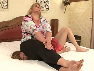 bbw lesbian chest sitting
