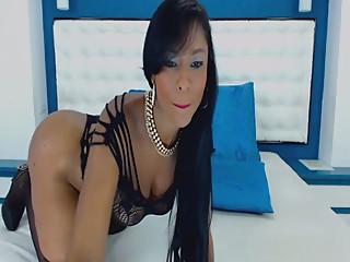 www.cams10.xyz ébène sexy en lingerie noire taquine sur webcam prt