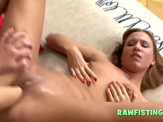 Attractive fist fucking girl on girl mode