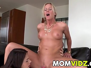 Anal sex with stepmom Simone Sonay and Valentina Nappi