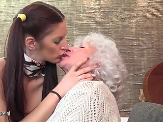 young girl wearing scarf fuck with 2 mature lesbian