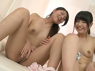 Hot Girl Asian Yuki Shiina & Akari Tamura.