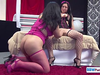 Spanish Girl Play with GF Big Fat Pussy