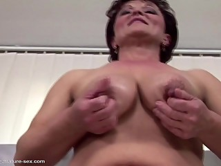 Old whore piss in glass and fisted by young slut