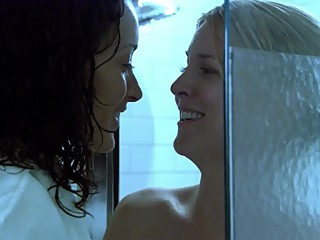 Laurel Holloman and Jennifer Beals - The L Word 03