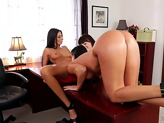 India Summer,Hannah Hartman and Nikki Daniels - Mommy's Girl