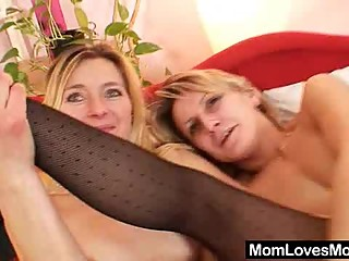 Two dame amateur milfs lesbian first time movie