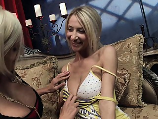 Horny blondes scare their pussies with gigantic vibrators