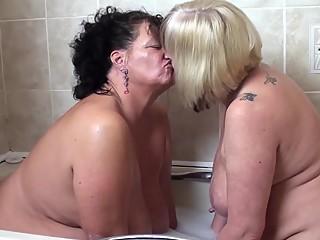 Amor entre viejas gordas