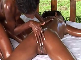 Ebony Massage...F70