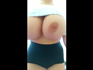 i show tits on public