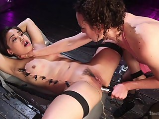 Bondage, Electrosex, and Gender Play!: Milcah Halili & Lilith Luxe